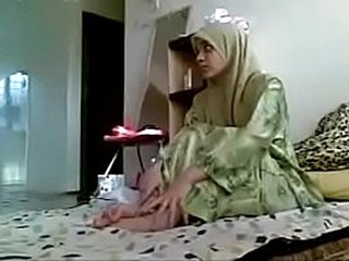 Asian hijab girl getting fucked by her Boyfriend homemade MMS