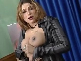mujra sexy anjaman shazahdi - YouTube.MP4