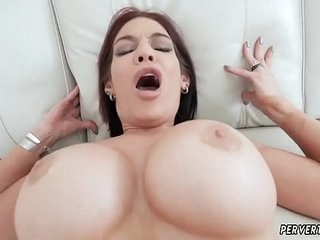 Pakistani mom and walks in on fucking Ryder Skye in Stepmother Sex
