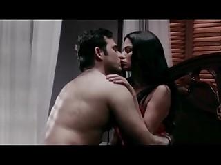 Veena-Maliks-Hot-Erotic-Bed-Scene-From-Mumbai-125-KM--Bollywood-Hindi-Movie