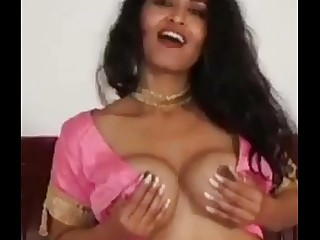 Sexy Dance by Bollywood Actress - Maya