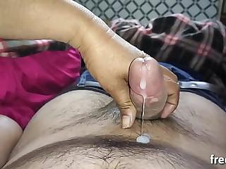 भाई जान ने जबरदस्ती अपना लंड चुसवा कर सारा माल निकाल दिया जब घर में कोई नहीं था Hindi