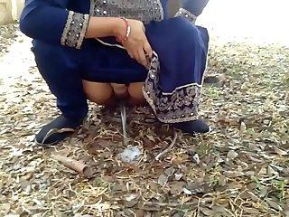 Indian Village Milf Natural Boobs Risky Public Sex With Stranger